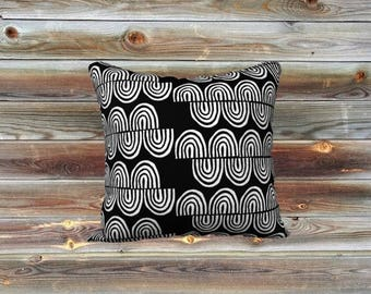 Squiggles throw pillow cover (black & white)