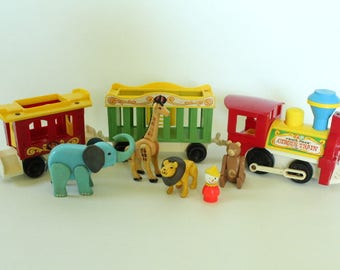 Fisher Price Little People, #991 Play Family Circus Train, 3-car Version