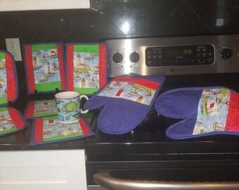 Light House Kitchen Set:  4 mug rugs, 2 oven mitts, 2 pot holders