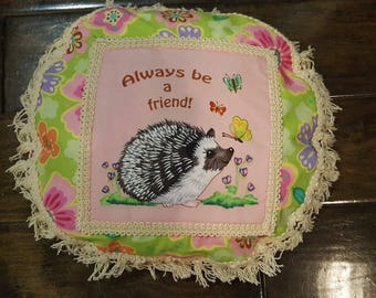 "Pillow ""Always be a Friend"" Round 12"" with fringe and back overlap closing"