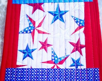 Patriot Mug Rug set of 2 detail stitching and quilted