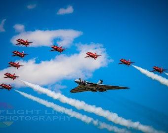 Vulcan XH558 & RAF Red Arrows