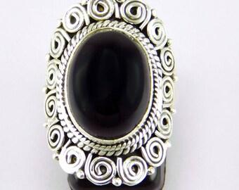 Handmade 925 sterling silver Black onyx gemstone ring.