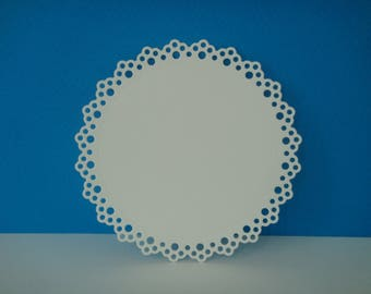 9 cm with ornaments white round cut