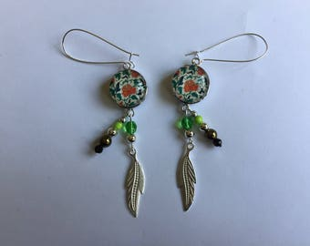 Earrings elegant chic and trendy snap floral leaves green beads