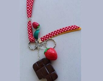 Keychain maxi tablet chocolate / Strawberry