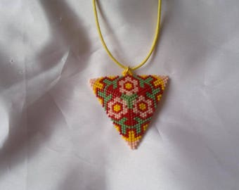 Triangle flowers multicolored beaded necklace.