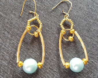 Earrings gold and green stem on gold