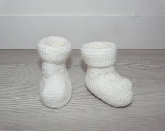 Baby 0-1 month - white - handknit - birth gift