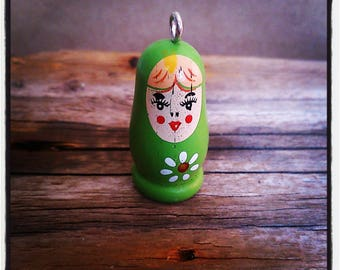 Pendant Russian doll wooden green 35mm approximately (stud)