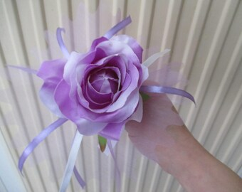 Bouquet for bridesmaid, purple and white