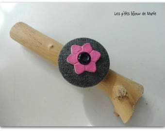 """""""My little flower"""" fabric button ring pink and gray"""