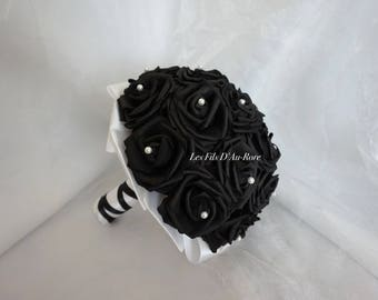 BLACK/WHITE bouquet with roses and satin