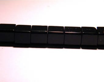 translucent glass - 8 mm-black-PG51 cube 20 beads