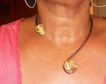 Crew neck Estrella aluminum 4mm Brown and gold yarn.