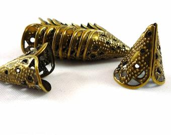 10 large bead caps cones, bronze, 17X11mm (ap56)