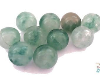 10 beads of jade 10mm shades of green (pg106)