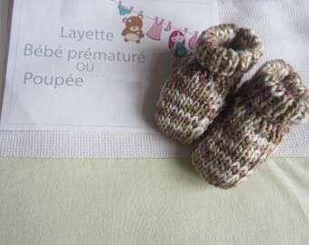 Premature baby or doll clothes: hand made slippers to knit color speckled