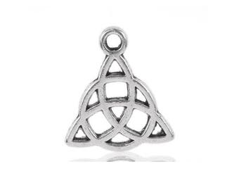 10 charms triangle knot Celtic 15x17mm
