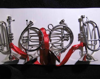 4 musical instruments trumpet and Horn 8cm