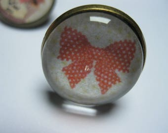 """Retro/vintage bronze ring with cabochon glass 18mm """"Knot"""" red polka dot Cup cake. Eat me."""