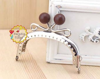 1 x 8.5 cm Pearl ring with fancy bag clasp resin coffee T C62