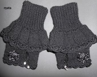 black wool fingerless