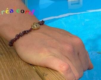 Garnet stone elastic bracelet