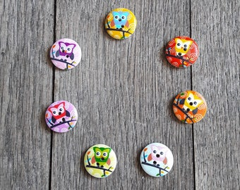 Set of 5 wooden buttons, colorful owls, 20mm, red, pink, blue, orange / / ID N77 + 78