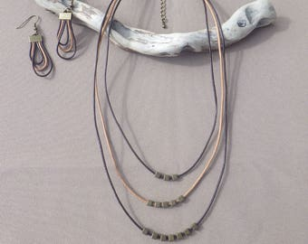 Set leather necklace and earrings