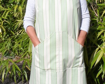 Cross back apron/pinny