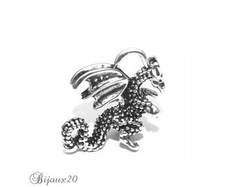 2 charms 19x13mm silver metal antique Lot M01804 3d Dragon