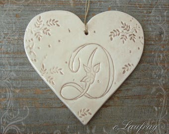 Large ceramic heart and letter beige lace ' of