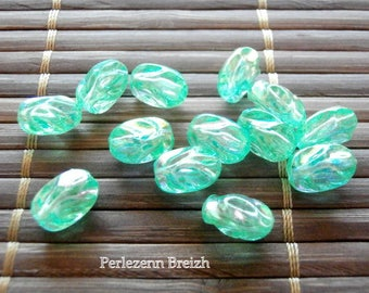 50 beads acrylic twistees oval 10x8mm AB green color