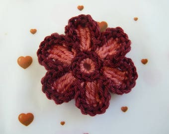 apply 1 salmon/Burgundy two-tone flower - crochet