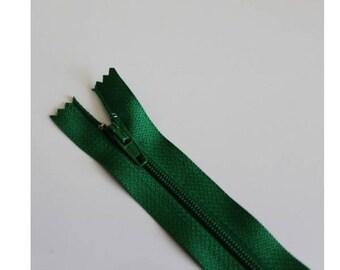 Bottle green not separable zipper 18 cm, couture quality zipper