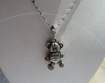 NECKLACE fancy crew neck pendant Pooh bear has nice silver reliefs necklace gift