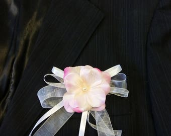 Flower wedding boutonniere rose pale White Ribbon