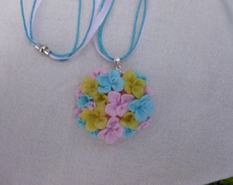 "Necklace ""Spring"", romantic, multi-fleurs."