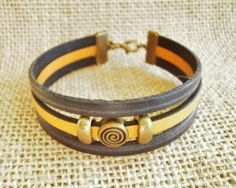 Leather Bracelet, black and yellow mustard, laitonnées, beads size 19.5 cm