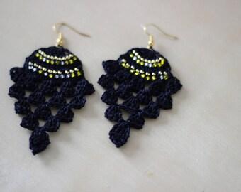 "The spirit ""Pineapple"" (gold and black) hook earrings"
