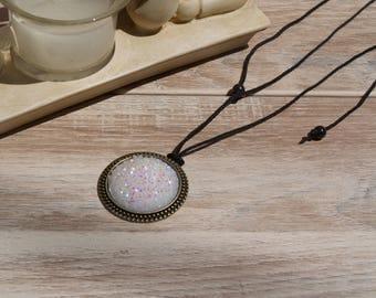glittery white cabochon necklace