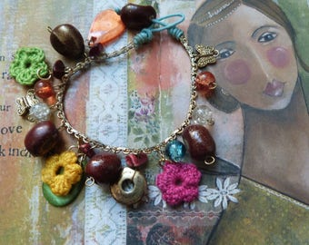 Bracelet ✿ ❁ fantaisie❀ crochet flowers and pearls