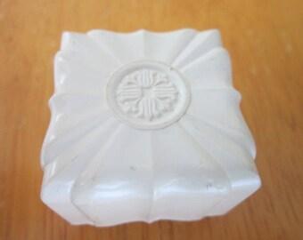 Retro Hard Plastic Jewelry Ring Box