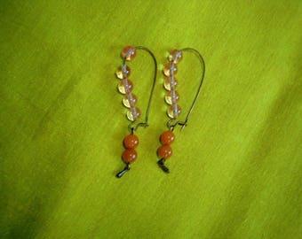 Tender earrings rests