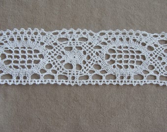 1 meter of white lace cotton width 5 cm