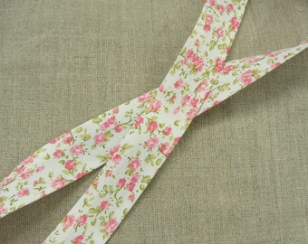 Liberty fabric has flowers ROSES 25 mm