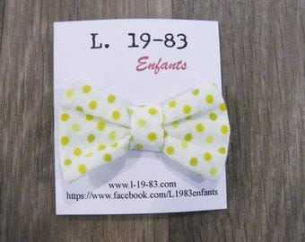 Hair clip green hair bow-shaped, with green peas