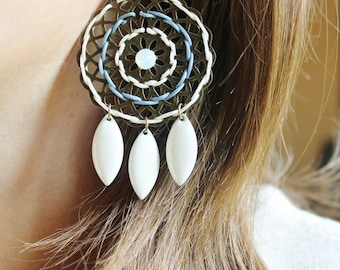Earrings white and blue grey rose Bronze (drilled)