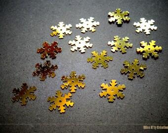 Set of 10 snowflakes golden highlights to create scrapbooking - children's activities